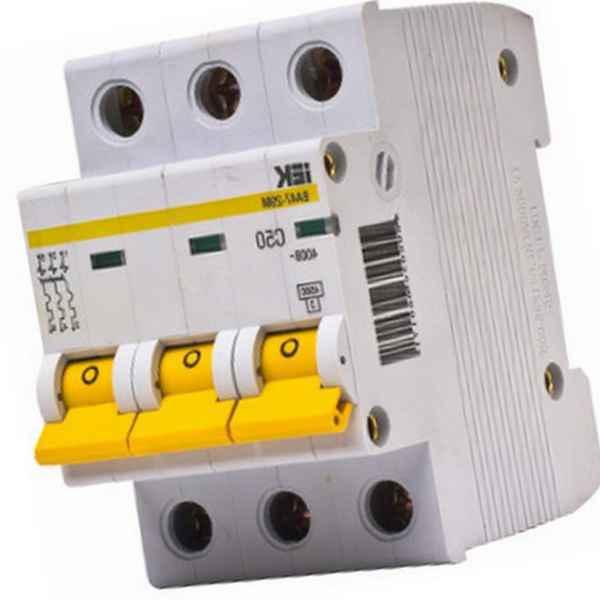 Автоматический трехполюсный выключатель: устройство, принцип работы