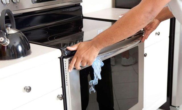 Можно ли подключить варочную панель в обычную розетку?
