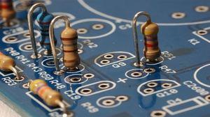Онлайн калькулятор маркировки резисторов с проволочными выводами