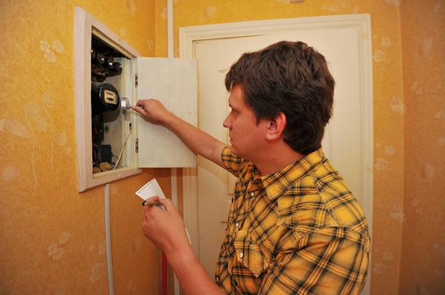 Законно ли требование о переносе автоматов с террасы в дом?