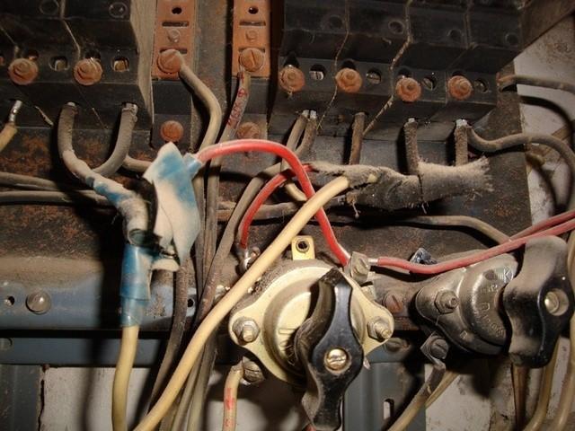 Можно ли менять проводку в квартире по частям?