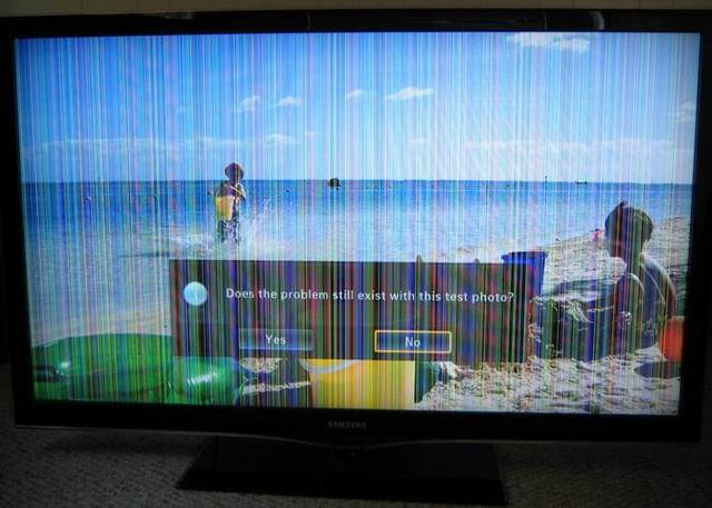 Почему моргает телевизор, при включении на кухне электроприборов?