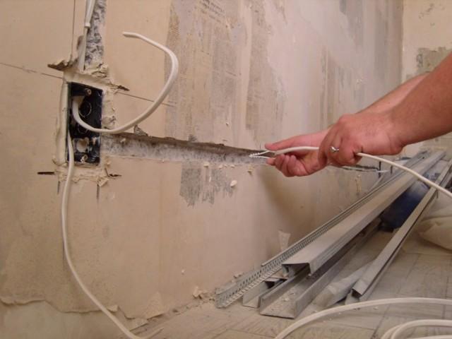 В чем причина срабатывания УЗО и поломки ТЭНа при включении стиральной машины после залива?