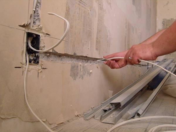 Какое сечение кабеля нужно проложить от щитка к распределительной коробке?