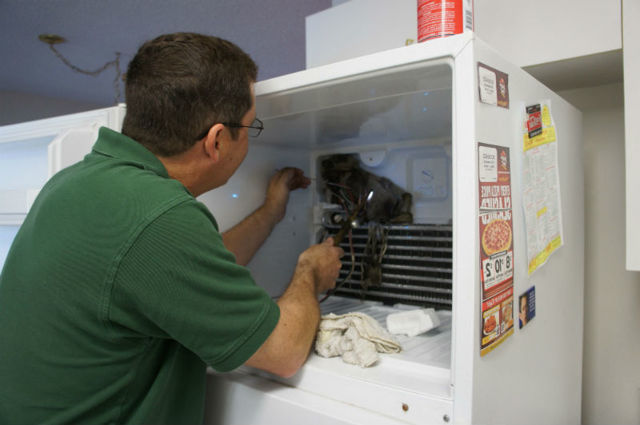 Что делать, если холодильник постоянно работает и не отключается?