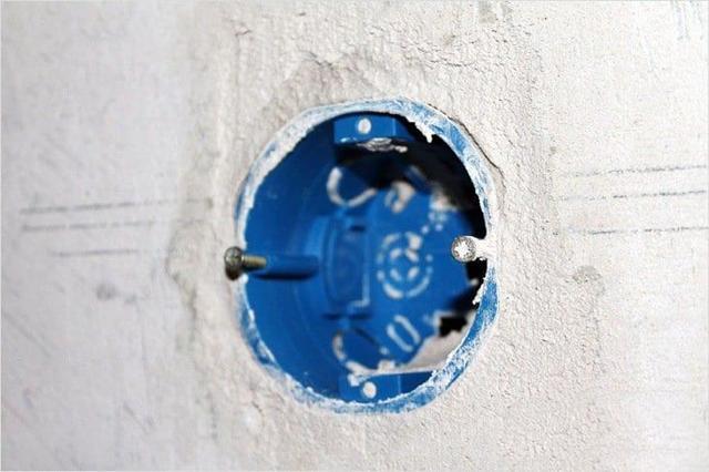 Можно ли подключить два светильника-розетки на двойной выключатель, если уже сделано, что они включаются одновременно?