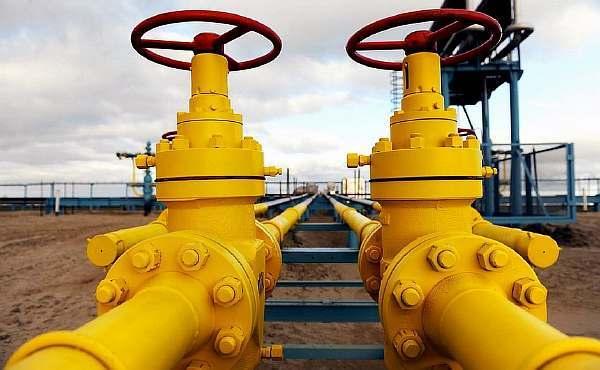 Допустимо ли пересечение пожарного водопровода с электрическим кабелем?