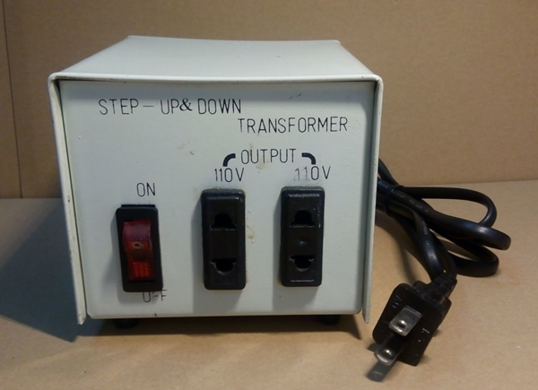 Трансформаторы напряжения тока, повышающие, понижающие, бытовые