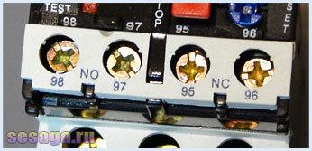 Что происходит с тепловым реле, при увеличении тока нагрузки?