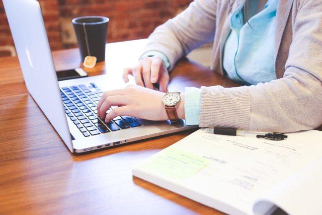 Почему не работает розетка после зарядки ноутбука?