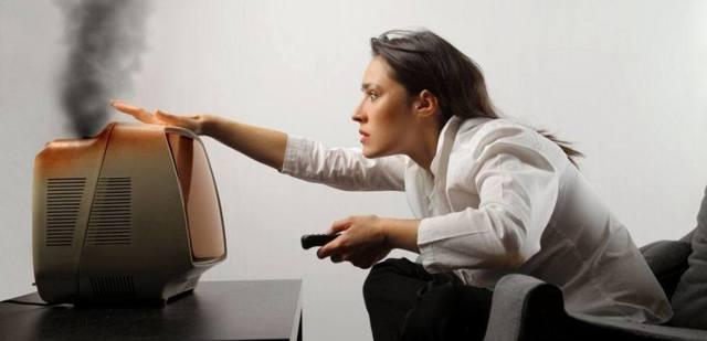 Высокое напряжение в сети: что делать, причины, последствия