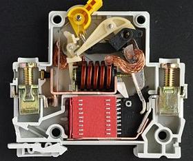 Что делать, если срабатывает автомат, но не сразу, а через 5 минут работы?