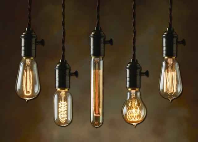 По какой причине перегорают галогеновые лампочки в люстре?