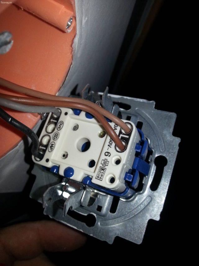 Можно ли заменить выключатель на диммер в готовом блоке?