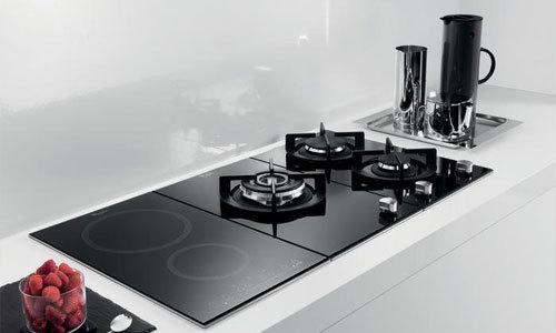 Можно ли поставить в доме с газом индукционную плиту?