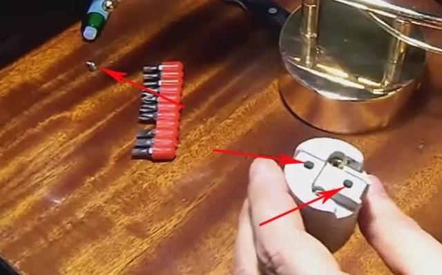 Возможен ли ремонт патрона в люстре, если он поврежден?
