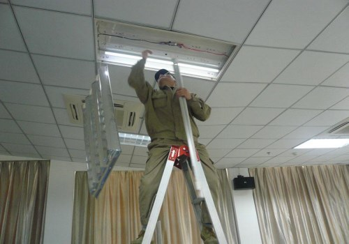 Почему мигает свет в частном доме независимо от времени суток и включенных электроприборов?
