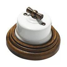 Как можно сделать так, чтобы выключатель был кнопочный и ниже, на уровне глаз?