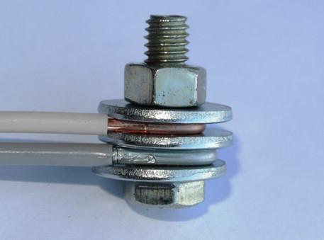 Как соединить 2 провода, которые отличаются друг от друга?