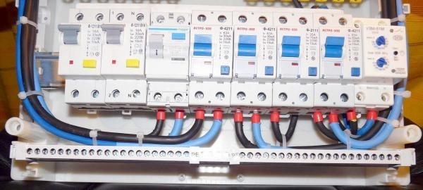 Можно ли поставить автомат большего номинала, если выбивает электричество?