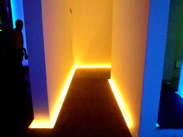Подсветка пола: фото примеры, требования, варианты освещения