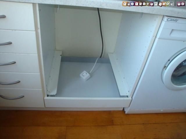 Можно ли на комнату ставить одну коробку 100*100 и отдельно кабель на свет и розетки?