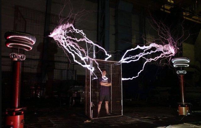 Принцип работы трансформатора тока, напряжения, тесла: видео