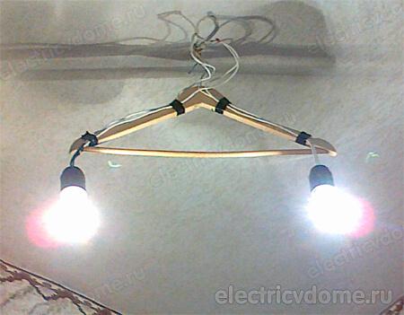 Можно ли подключить люстру и точечные светильники к двухклавишному выключателю?