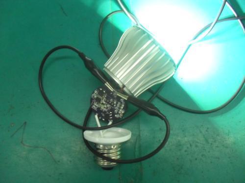 Почему перегорают светодиодные светильники на кухне?