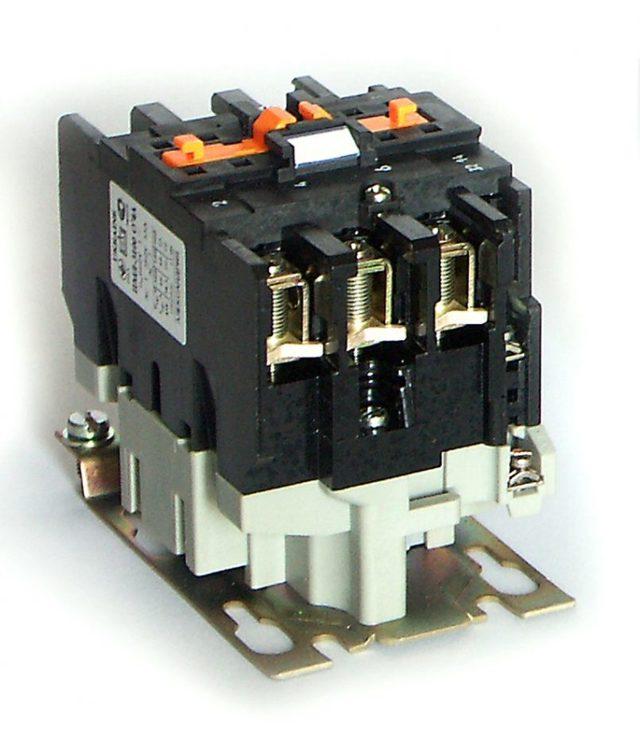 Как подключить магнитный пускатель ПМЛ 1220 02Б к двигателю?